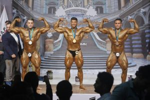 قهرمانان وزن ۱۰۰+کیلوگرم