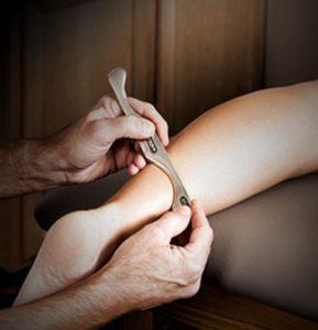 ماساژ گراستون تکنیکی موثر برای درمان دردها گره ها و گرفتگی عضلات